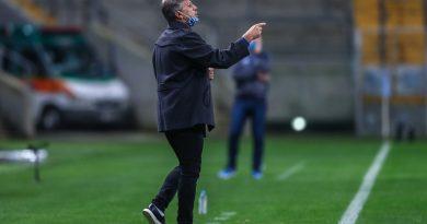 Renato nega favoritismo, elogia Coudet e diz estar tão motivado quanto o rival para o Gre-Nal