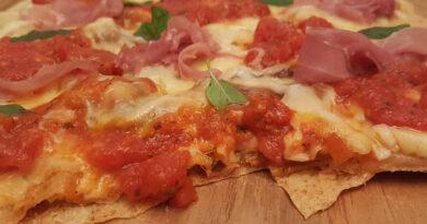 Pizza grelhada na churrasqueira, que maravilha!