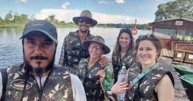 Chef busca reconexão com a natureza e se torna 'jaguarman' famoso no Pantanal
