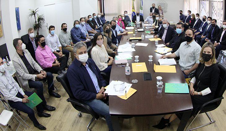 Em reunião com secretários, Reinaldo Azambuja pede esforço concentrado para cumprimento dos contratos de gestão