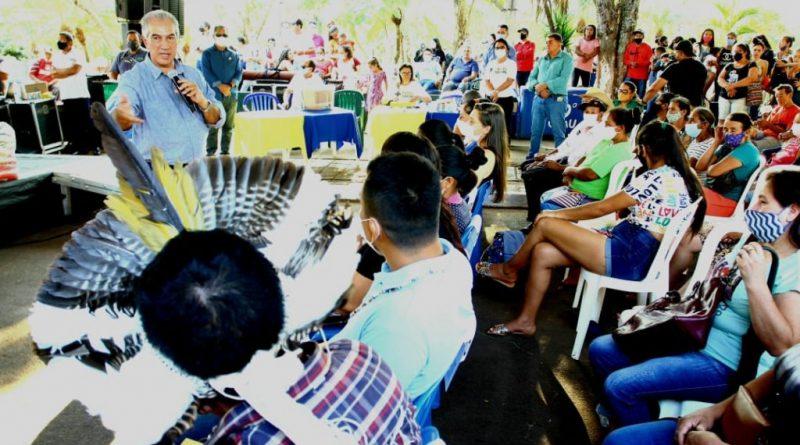 Em Paranhos, governador amplia acesso a programas sociais a famílias carentes